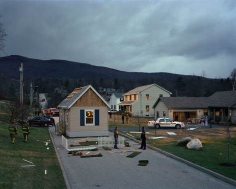 Gregory Crewdson, Untitled (house in the road), 2002
