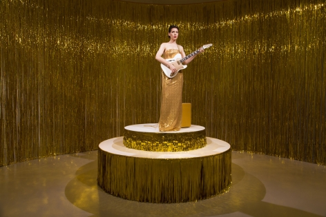 Ragnar Kjartansson, Woman in E, 2017
