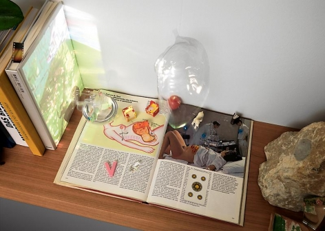 EditPipilotti Rist Enlight My Space [Erleuchte (und klaere) meinen Raum], 2008