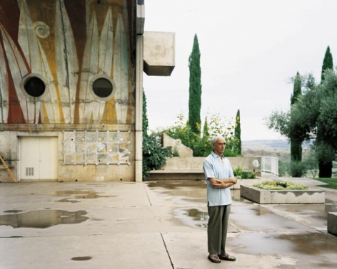Joel Sternfeld Paolo Soleri at Arcosanti, Cordes Junction, Arizona, August 2000, 2005