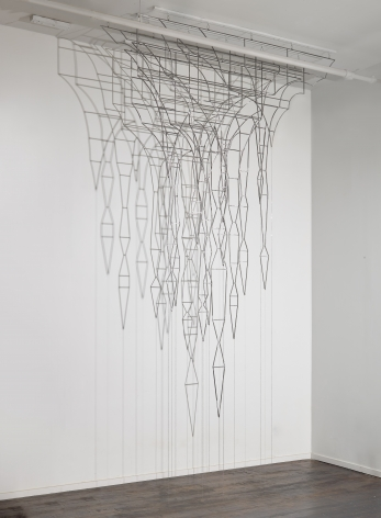 Veins (Malakbel),2015, Steel, base metal chain, light,