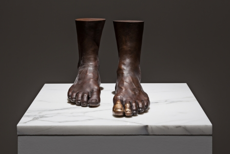 Il bacio al piede, 1976, Brass, marble