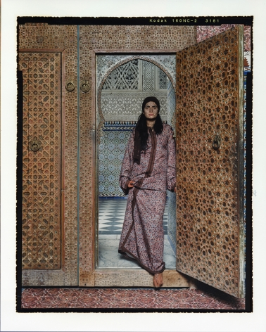Lalla Essaydi Harem #4B, 2009 Chromogenic print mounted to aluminum with a UV protective laminate 291.1 x 180.3 cm From an edition of 5 © Lalla Essaydi.Courtesy of the artist and Edwynn Houk Gallery, New York and Zurich