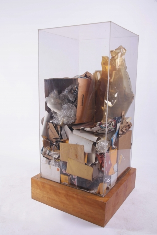 ARMAN, Peter Hutchinson's Refuse, 1973 Accumulation of studio refuse in Plexiglas box 48 x 24 x 24 in. (122 x 61 x 61 cm), Unique and original,