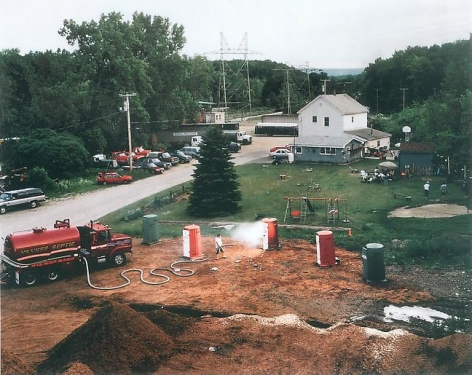 Gregory Crewdson Untitled (yankee septic emergency), 1998 9/10