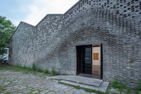 Installation view: Tanya Merrill, Pond Society Shanghai, China, 2021., Courtesy Pond Society. Image:JJYPHOTO