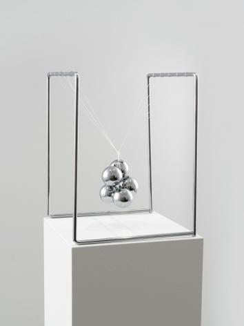 Ceal Floyer, Newton's Cradle, 2017