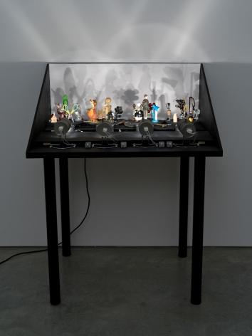 Hans-Peter Feldmann, Pocket Shadow Play