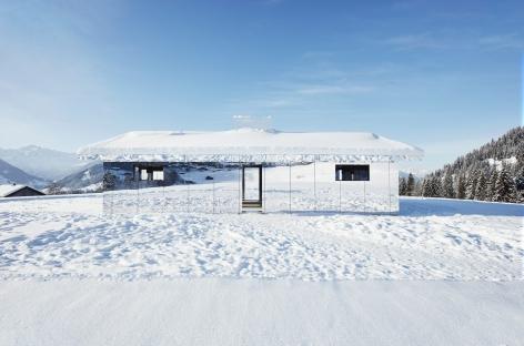 Installation view: Doug Aitken, Mirage Gstaad, Elevation 1049, Gstaad, Switzerland, 2019