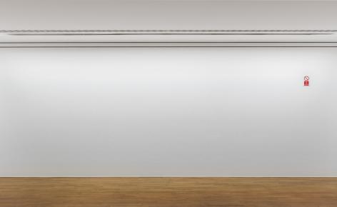 Ceal Floyer, Do Not Remove, 2011, Installation view: Kunstmuseum Bonn, 2015