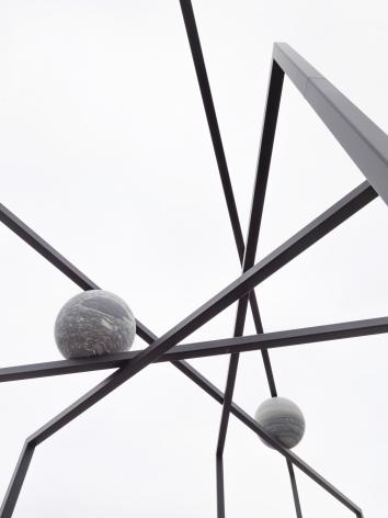 The Roof Garden Commission: Alicja Kwade, ParaPivot. Installation view, The Metropolitan Museum of Art, 2019., © Alicja Kwade, courtesy 303 Gallery, New York; KÖNIG GALERIE, Berlin/London. Photo: Roman März