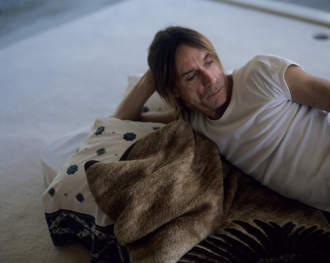 Doug Aitken, cathouse, 1997