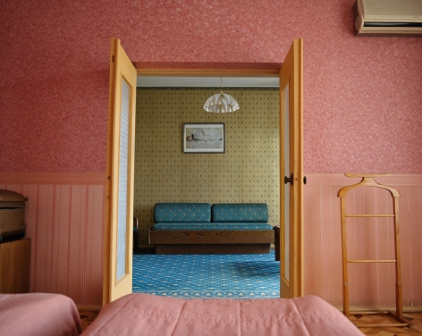 Stephen Shore, Room 509, Dnipro Hotel, Kiev, Ukraine, July 18, 2012