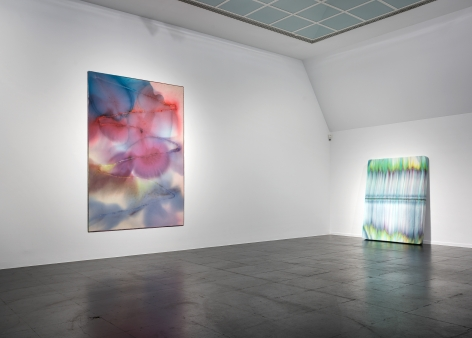 Sam Falls, Installation view: Reconnecting with the World: About the Poetic in Elements and Materials, Frankfurter Kunstverein, 2018
