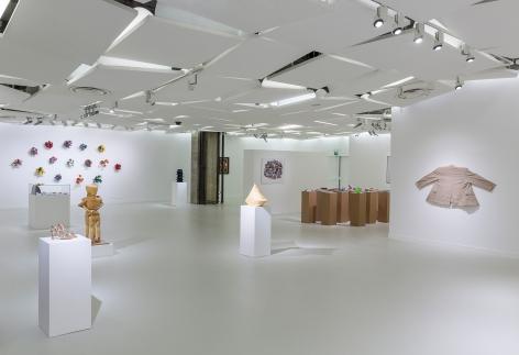 Hans-Peter Feldmann, Installation view: Galerie des Galeries, Galeries Lafayette, Paris, 2016