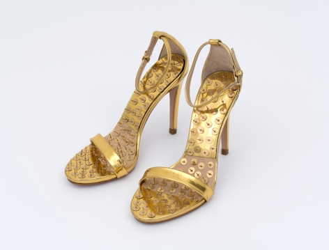 Hans-Peter Feldmann, Golden Shoes with Pins