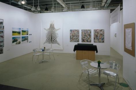 Hans-Peter Feldmann, Installation view: Art Basel | 303 Gallery, 2004