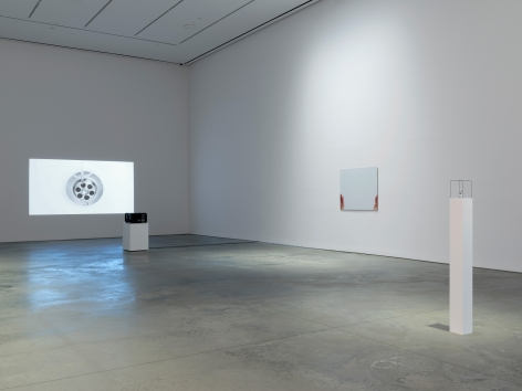 Ceal Floyer, Installation view: 303 Gallery, 2017