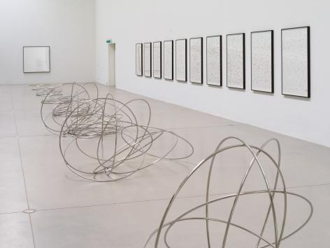 Alicja Kwade,Installation view:Kausalkonsequenz,Langen Foundation, Neuss, 2020