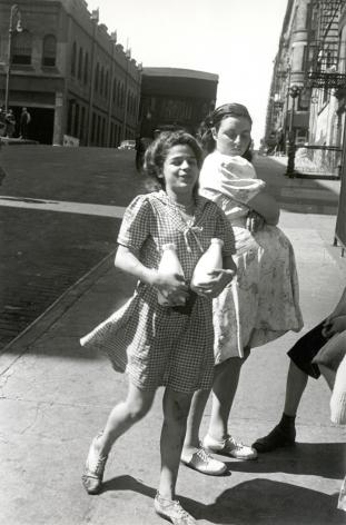 Helen Levitt NYC, circa 1945