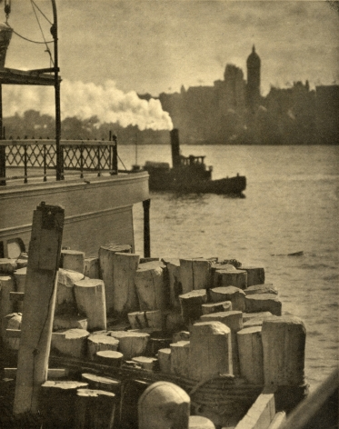 Alfred Stieglitz The City across the River, 1910