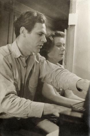 Helen Levitt James and Mia Agee, 1945