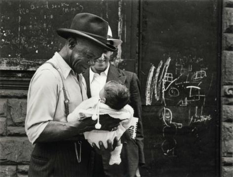 Helen Levitt New York City, circa 1942