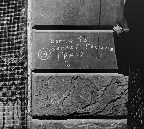 Helen Levitt New York City, 1939