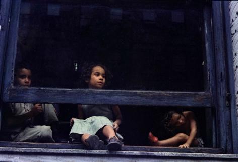 Helen Levitt NYC kids in window