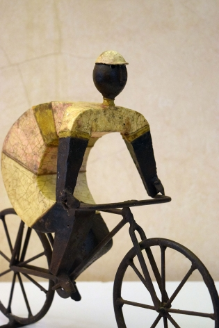 Cyclist Sculpture made for the Mexico 1968 Olympic Games / Manuel Felguerez
