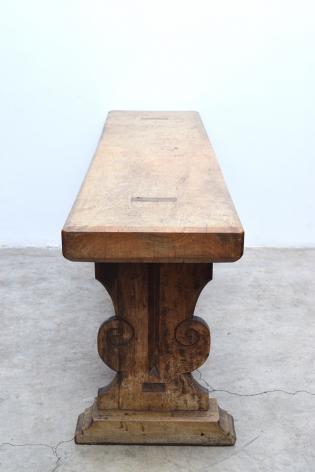 """Console Table """"1972""""/Manuel Parra"""