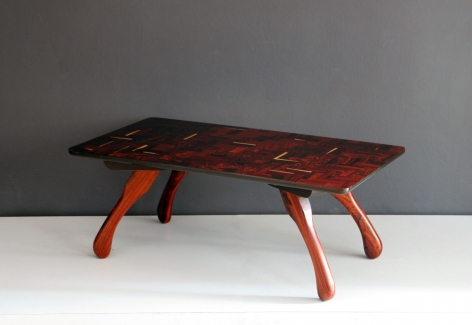 Cuerno Table / Don Shoemaker
