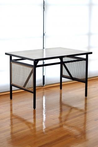 Office Table / Clara Porset for DM Nacional
