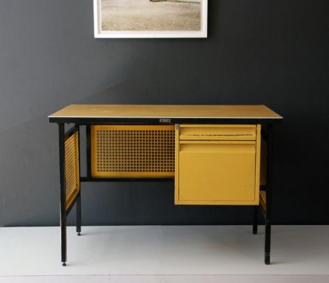 DM Nacional Desk / Clara Porset