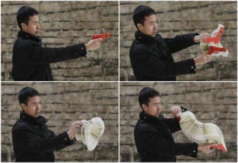 Reuters | Li Hongbo's paper sculptures stretch the imagination