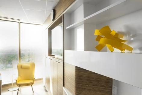 DEVINE-Matt_Floor9-Patient-Room-sculptures