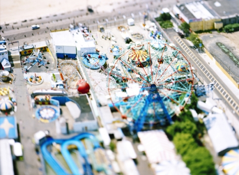 site specific_NEW YORK 07 (Coney Island), 2007, 45 x 61 inch or 65 x 85 inch archival pigment print