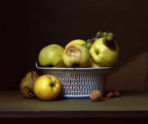 Early American, Apples in Porcelain Basket, 2007. Chromogenic print, 15 x 18 1/4 inches.