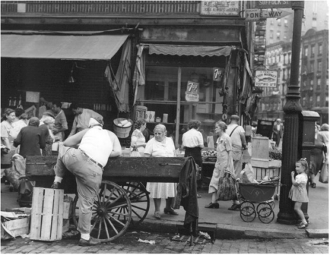 Suffolk and Hester Streets, New York 1946 Gelatin silver print