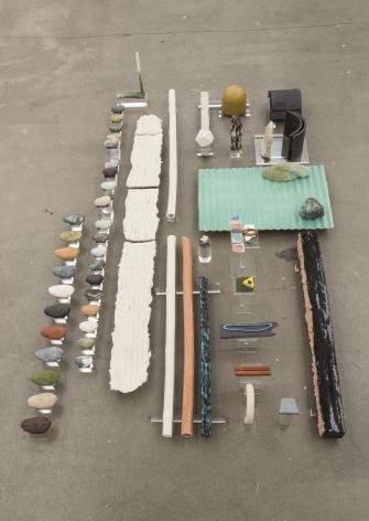 Ceramic sculpture display by Marjolijn de Wit