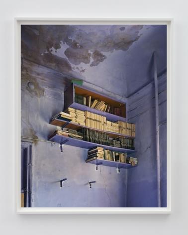 ALEC SOTH Ute's Books. Odessa, 2018