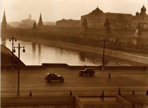 Moscow,1940, Vintage gelatinsilver print mounted on board