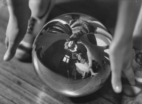 Autorretrato con Ursula, 1938, Vintage gelatin silver print