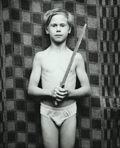 tommi with sword