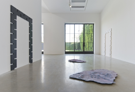 """Installation view of """"Rosha Yaghmai"""" at Kayne Griffin Corcoran, Los Angeles"""