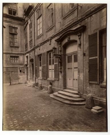 Atget, Hôtel le Charron, 15 quai Bourbon, 1900