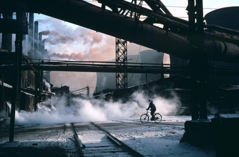, Anshan Steel Mill, at the time the largest steel mill in the country, Liaoning, China, 1981, dye transfer print, 20 x 24 inches/50.8 x 61 cm © Hiroji Kubota/Magnum Photos