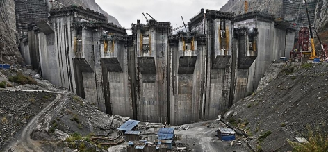 Edward Burtynsky, Xiluodu Dam #5, Yangtze River, Yunnan Province, China, 2011, Chromogenic color print, 44 x 96 inches