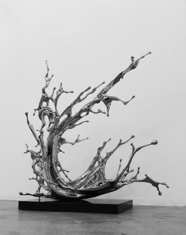 Zheng Lu, Airily Surging, 2019, stainless steel, 49.2 x 35.4 x 51.2 inches/125 x 90 x 130 cm