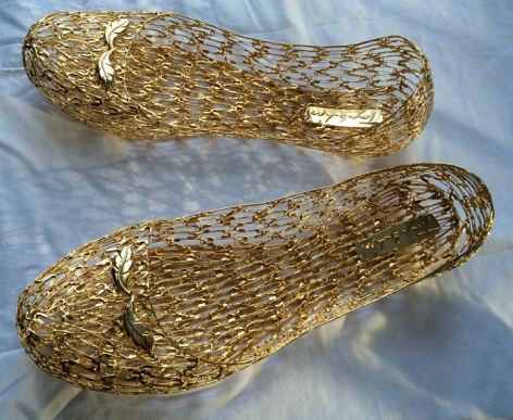 My pump shoes, 2016, brass made safety pins covered by electroless nickel immersion gold, length: 9 inches/22.86 cm each